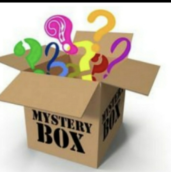Kylie Cosmetics Other - Beauty mystery box